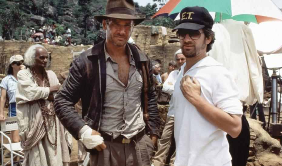 steven-spielberg-directing-a-dashing-indiana